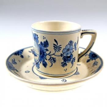 Cup and Saucer - majolica - Delft - 1900